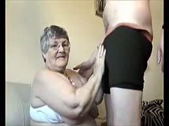 Oma Blowjob und geiler Deepthroat
